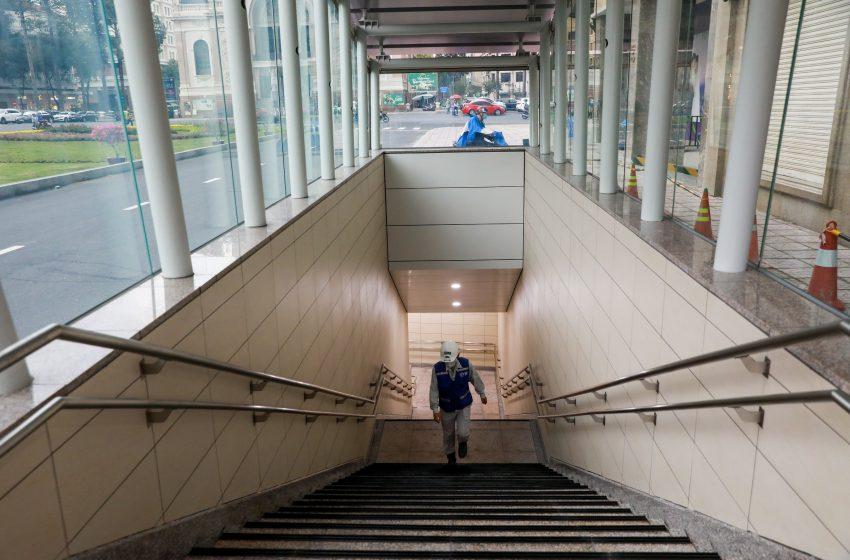 Bên trong nhà ga ngầm tuyến Metro TP HCM