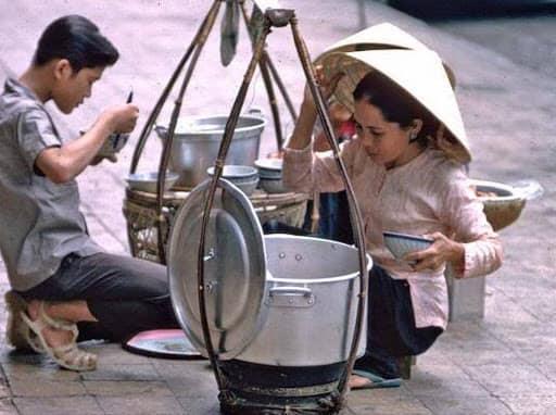 Đào tạo kỹ năng bán hàng cho những người bán hàng ở chợ, hàng rong