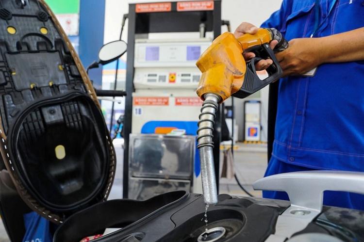 Giá xăng dầu đồng loạt tăng mạnh kể từ 15h chiều nay 26/11