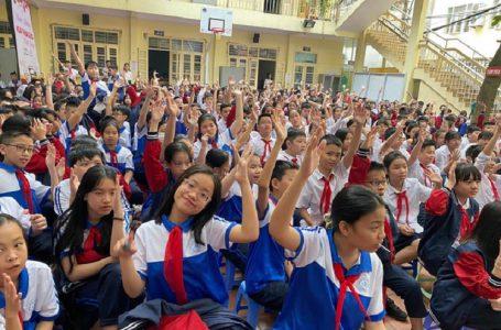 Hiểm nguy rình rập học sinh trên mạng xã hội