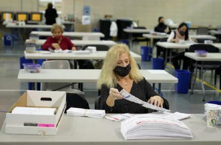 Dự kiến, việc kiểm phiếu sẽ kéo dài thêm vài ngày tới một tuần. (Ảnh: AP)