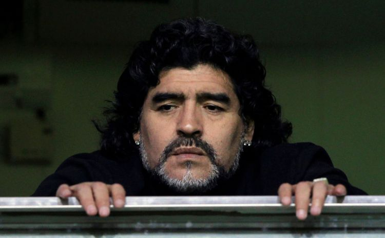 Huyền thoại Maradona qua đời