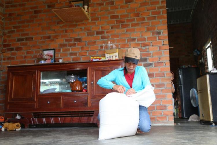 Đăk Nông: Tổ trưởng dân phố giả chữ ký người dân trong danh sách nhận gạo cứu đói