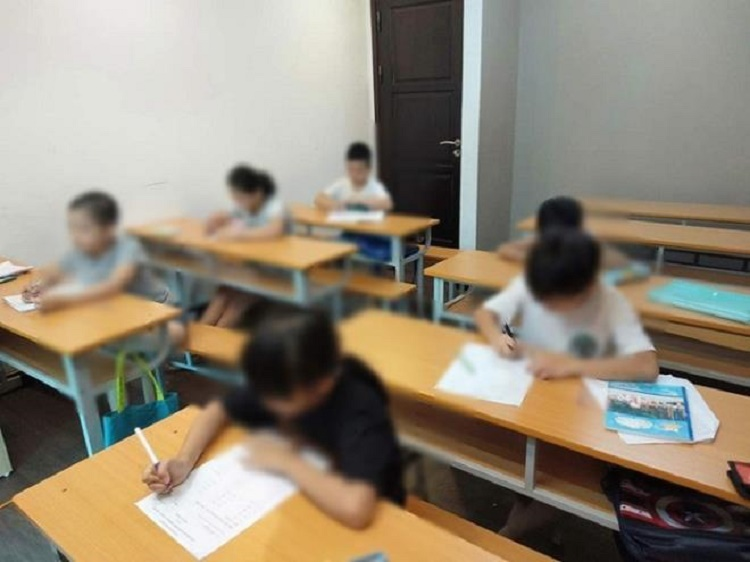 trẻ lớp 1 đi học thêm
