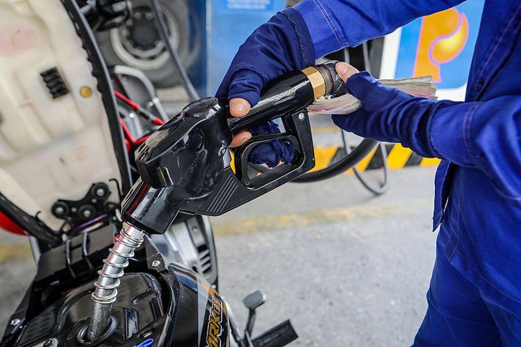Giá xăng dầu hôm nay 7.12.2020: Vẫn giảm bất chấp cam kết giảm cung