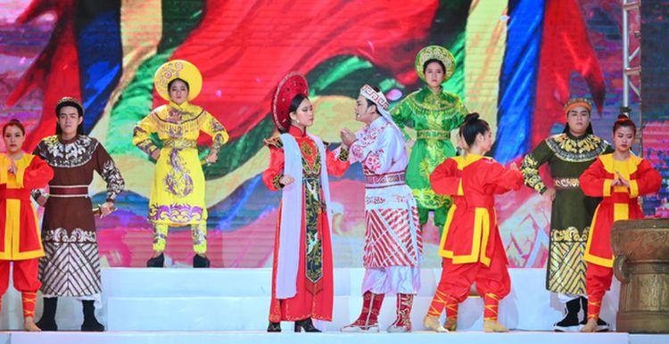 lễ hội áo dài phương lly