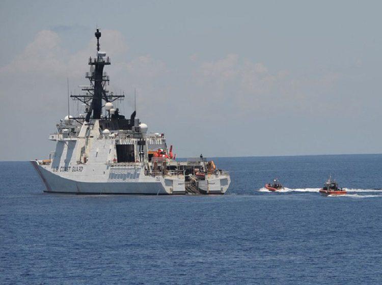 """Mỹ triển khai chiến lược """"3 trong 1"""" tại Biển Đông"""