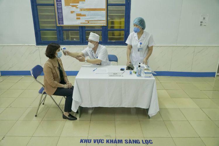 tiêm vaccin covid tại việt nam