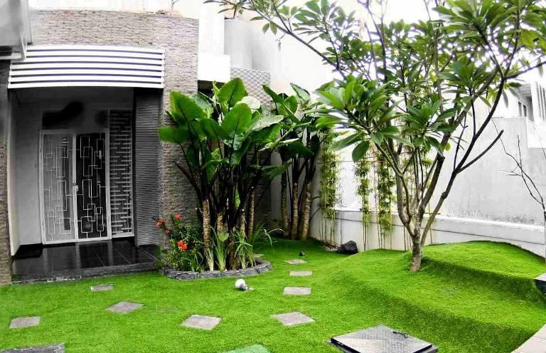 Dùng cỏ nhân tạo lập mảng xanh trong nhà