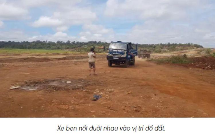 Đắk Lắk: Vô tư san lấp đất lúa ngay giữa lòng thành phố nhưng chính quyền 'vẫn cần thời gian xác minh'