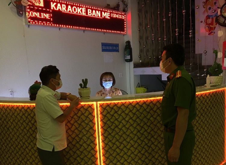 TP. Buôn Ma Thuột xử phạt nghiêm các trường hợp không đeo khẩu trang theo quy định