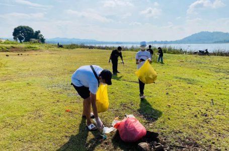 Đăk Lăk: Hàng chục bạn trẻ chung tay dọn sạch rác tại hồ sinh thái Ea Kao