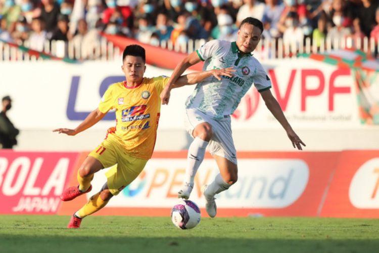 Bóng đá Việt Nam lại 'khóc' vì chuyện cách ly COVID-19