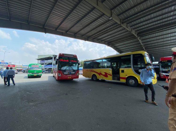Đắk Lắk: Bến xe Miền Đông tạm đóng cửa nhiều khu liên quan nữ giáo viên mắc COVID-19
