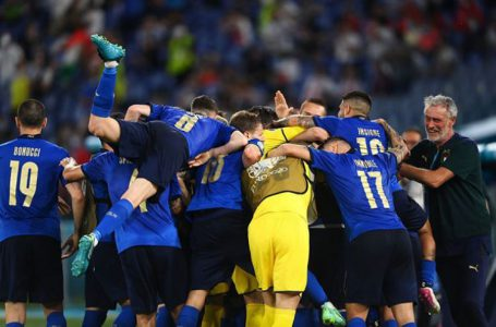 ĐT Italia đánh bại Thụy Sĩ 3-0
