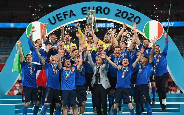 Euro 2021: ĐT Anh thua đau Italia, HLV Southgate chọn 3 cầu thủ trẻ đá 11m là sai lầm?