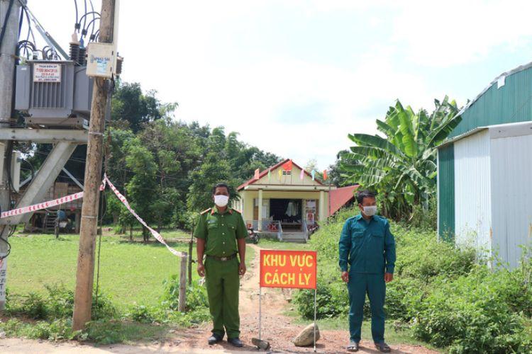 Đắk Lắk: Nhân viên y tế nghi mắc Covid-19, phong tỏa 1 trung tâm y tế