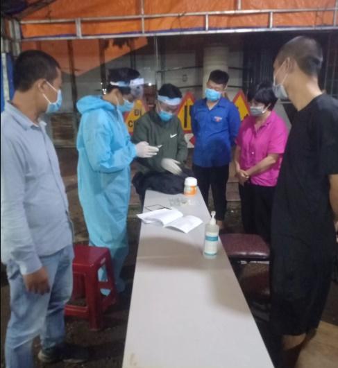 Buôn Ma Thuột: Bí thư Đoàn trả lại 240 triệu đồng cho người dân để quên ở chốt kiểm dịch
