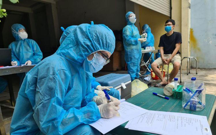 Trưa 7/7: Thêm 400 ca mắc COVID-19 mới, riêng TP. Hồ Chí Minh 347 ca