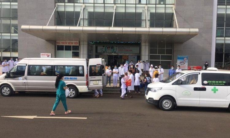 Đắk Lắk: 13 y, bác sĩ hỗ trợ cho Bệnh viện Chợ Rẫy