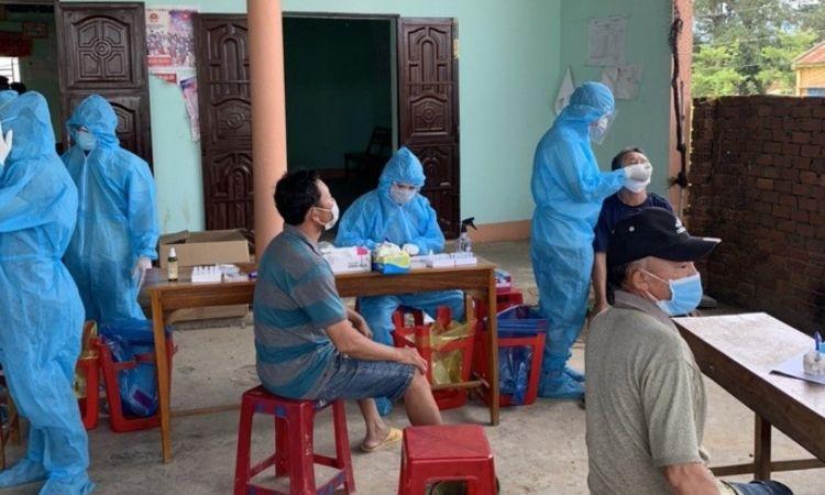 Đắk Lắk: Cùng dự tiệc sinh nhật, nhiều trẻ em mắc Covid-19, chưa rõ nguồn lây