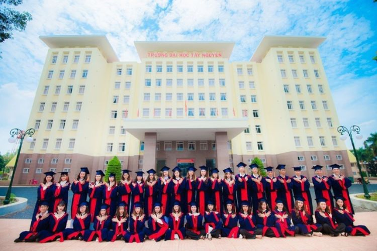 Điểm chuẩn đại học Tây Nguyên 2021 và các năm