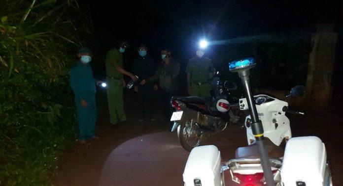 Nam thanh niên đột nhập khu phong tỏa thăm người yêu ở Đắk Lắk