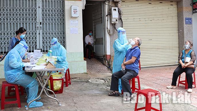 TP. Buôn Ma Thuột khẩn trương xét nghiệm sàng lọc SARS-CoV-2 toàn dân