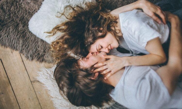 """Oxytocin: """"Hormone tình yêu"""" và những điều thú vị"""