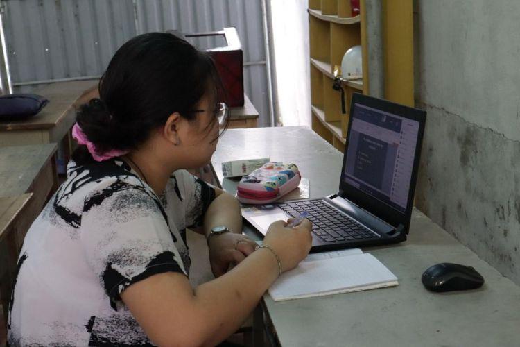 Đắk Lắk: Học trực tuyến và nỗi niềm phụ huynh