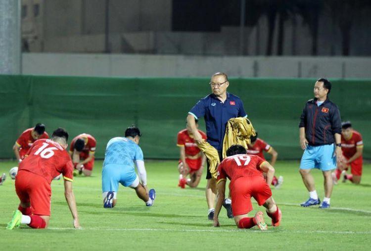 Nhận định, dự đoán Việt Nam vs Trung Quốc, 00h00 ngày 8/10: Chờ tài HLV Park Hang-seo